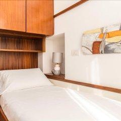 Отель Living Milan - Fiori Chiari 26 комната для гостей