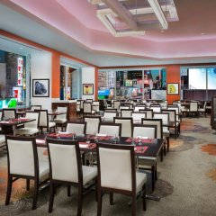 Отель Crowne Plaza Times Square Manhattan США, Нью-Йорк - отзывы, цены и фото номеров - забронировать отель Crowne Plaza Times Square Manhattan онлайн гостиничный бар