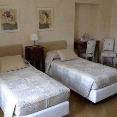 Отель Garnì del Gardoncino Манерба-дель-Гарда сейф в номере