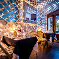 Отель Beverly Hills Plaza Hotel США, Лос-Анджелес - отзывы, цены и фото номеров - забронировать отель Beverly Hills Plaza Hotel онлайн гостиничный бар