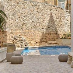 Отель Palazzo Violetta Мальта, Слима - отзывы, цены и фото номеров - забронировать отель Palazzo Violetta онлайн бассейн