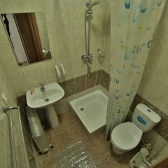 Отель Маданур Кыргызстан, Каракол - отзывы, цены и фото номеров - забронировать отель Маданур онлайн ванная