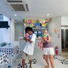 Liveitup Chitlom Hostel Бангкок детские мероприятия фото 2