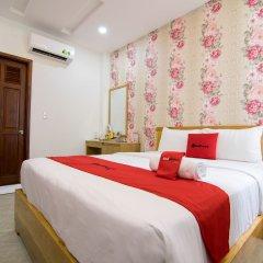 Отель RedDoorz Plus near Tan Son Nhat Airport 2 комната для гостей