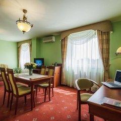 Отель Henlex Познань в номере фото 2