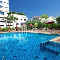 Отель Grand President Bangkok бассейн