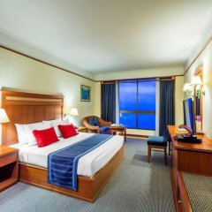 Отель Cholchan Pattaya Beach Resort комната для гостей фото 2