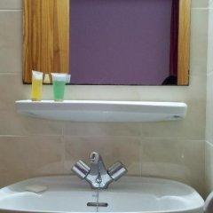 Отель Hostal Ferrer Испания, Сан-Антони-де-Портмань - отзывы, цены и фото номеров - забронировать отель Hostal Ferrer онлайн ванная