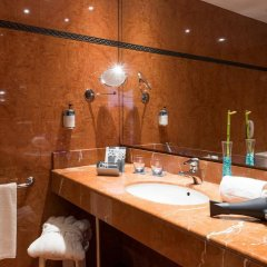 Отель Tryp Valencia Oceánic Hotel Испания, Валенсия - отзывы, цены и фото номеров - забронировать отель Tryp Valencia Oceánic Hotel онлайн ванная фото 2