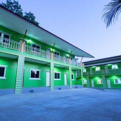 Отель Vii House by V.Hemtanon Muay Thai парковка