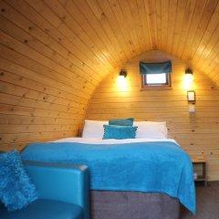 Отель The Little Hide - Grown Up Glamping комната для гостей