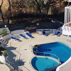 Отель Apartamentos Soldoiro бассейн