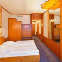 Отель Vienna Sporthotel комната для гостей