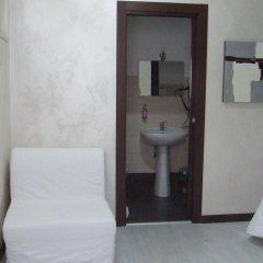 Отель Via Cotugno Бари ванная