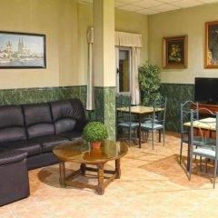 Отель Hostal La Casa de Enfrente комната для гостей фото 5