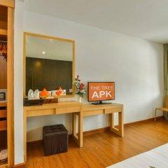 Отель The Three by APK сейф в номере