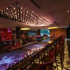 Отель M Social Singapore гостиничный бар