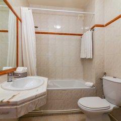 Отель Apartamentos Rio Португалия, Виламура - отзывы, цены и фото номеров - забронировать отель Apartamentos Rio онлайн ванная фото 2