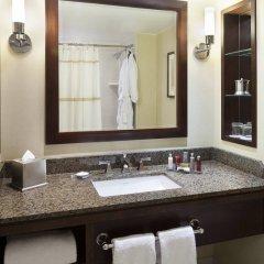 Отель Toronto Marriott Bloor Yorkville Hotel Канада, Торонто - отзывы, цены и фото номеров - забронировать отель Toronto Marriott Bloor Yorkville Hotel онлайн ванная фото 2