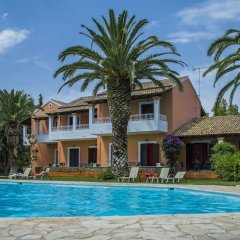 Folies Corfu Hotel Apartments бассейн фото 3