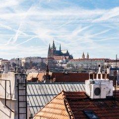 Отель The Emblem Hotel Чехия, Прага - 3 отзыва об отеле, цены и фото номеров - забронировать отель The Emblem Hotel онлайн приотельная территория фото 2