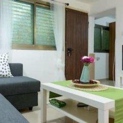 NHE Perfectly Located Apartment TLV Израиль, Тель-Авив - отзывы, цены и фото номеров - забронировать отель NHE Perfectly Located Apartment TLV онлайн комната для гостей фото 4