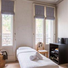 Отель Charming Townhouse Near Parc Montsouris Франция, Париж - отзывы, цены и фото номеров - забронировать отель Charming Townhouse Near Parc Montsouris онлайн комната для гостей фото 2