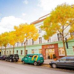 Hotel Adeba парковка