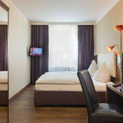 Отель Deutsche Eiche Германия, Мюнхен - отзывы, цены и фото номеров - забронировать отель Deutsche Eiche онлайн сейф в номере