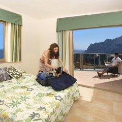 Отель Apartamentos Esmeralda Suites комната для гостей