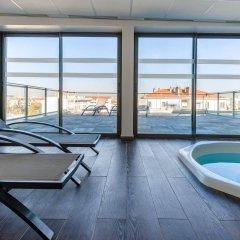 Отель Lagrange Apart'HOTEL Lyon Lumière Франция, Лион - отзывы, цены и фото номеров - забронировать отель Lagrange Apart'HOTEL Lyon Lumière онлайн бассейн
