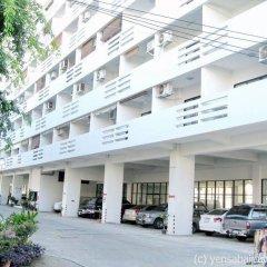 Отель Yensabai Condotel Паттайя парковка