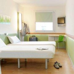 Отель ibis budget Zurich City West комната для гостей фото 5