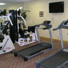 Clarion Hotel Buffalo Airport фитнесс-зал фото 2