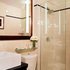 Отель DoubleTree by Hilton New York Downtown 4* Стандартный номер с различными типами кроватей фото 13