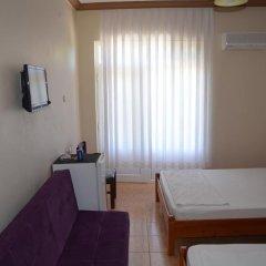 Отель Hayat Motel сейф в номере