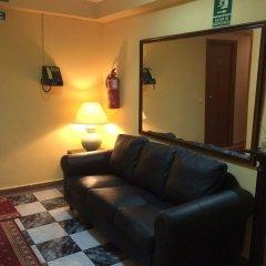 Отель Hostal Aeropuerto Мадрид комната для гостей
