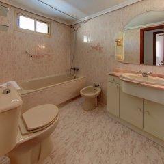 Отель Albeniz – Mediterranean Way Испания, Ла Пинеда - отзывы, цены и фото номеров - забронировать отель Albeniz – Mediterranean Way онлайн ванная