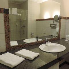 Отель AZIMUT Hotel Cologne Германия, Кёльн - 13 отзывов об отеле, цены и фото номеров - забронировать отель AZIMUT Hotel Cologne онлайн ванная