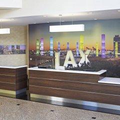 Отель Embassy Suites Los Angeles - International Airport/North США, Лос-Анджелес - отзывы, цены и фото номеров - забронировать отель Embassy Suites Los Angeles - International Airport/North онлайн спортивное сооружение