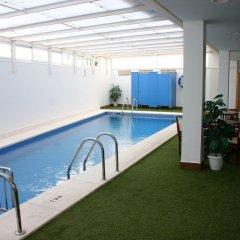 Отель Apartamentos Loar Ferreries бассейн фото 3