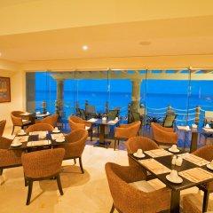 Отель Grand Park Royal Luxury Resort Cancun Caribe гостиничный бар