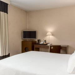Отель NH Brussels Stéphanie удобства в номере