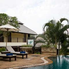 Отель Warika Place бассейн