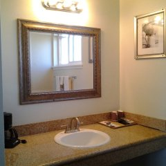 Отель Holiday Motel Oakdale ванная