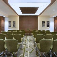Отель Hilton Garden Inn Dubai Al Muraqabat Дубай помещение для мероприятий фото 2