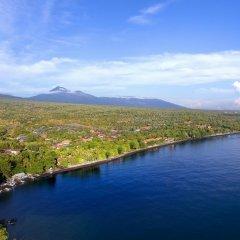 Отель Mimpi Resort Tulamben Dive and Spa пляж