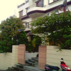 Отель Kumari Inn Непал, Катманду - отзывы, цены и фото номеров - забронировать отель Kumari Inn онлайн парковка