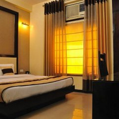 Отель Grand Plaza Индия, Нью-Дели - отзывы, цены и фото номеров - забронировать отель Grand Plaza онлайн сейф в номере