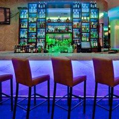 Отель Hilton Garden Inn New York/Central Park South-Midtown West гостиничный бар